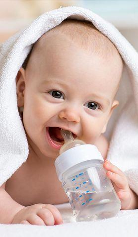 Sprawdź, jak wyrobić nawyk picia wody u dziecka już od najmłodszych lat