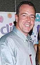 Ojciec Lindsay Lohan na bezludnej wyspie z Paris Hilton