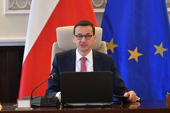 Podpisane przez rząd Mateusza Morawieckiego rozporządzenie dotyczące obniżki pensji dla samorządowców, będzie obowiązywać od 1 lipca 2018 r.