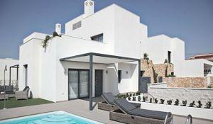 Dom letni... w Hiszpanii? Zobacz domy nad morzem w cenie mieszkania w Polsce
