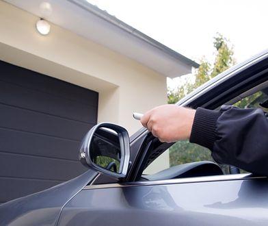 Inteligentny garaż. Automatyka do bram