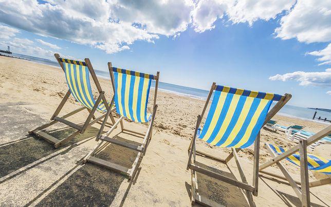 Bournemouth słynie z charakterystycznych żółto-niebieskich leżaków