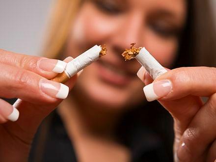 Pigułka i papierosy - ryzykowne połączenie
