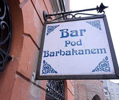 """""""Pod Barbakanem"""" znika z mapy stolicy. Warszawski bar mleczny zlikwidowany"""