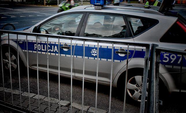 Wypadek na moście Poniatowskiego. Kierował pijany policjant?