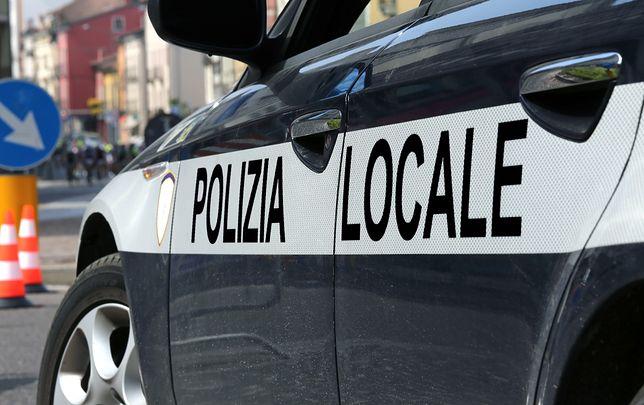 Imigranci: Włochy terroryzował nagi imigrant. Atakował przechodniów i policjantów
