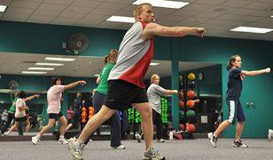 Nowe obostrzenia. Klub fitness zamienia się w Kościół Zdrowego Ciała. Branża walczy o życie