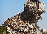 Śmieciowe przekręty mafii. Biorą kasę, odpady zakopują