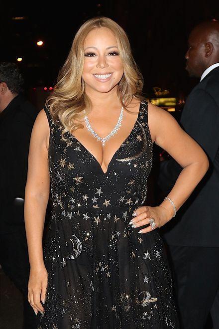 Mariah Carey w kosmicznej kreacji