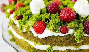 Leśna polana - tort ze szpinakiem i owocami