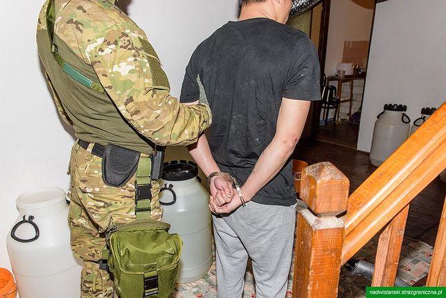Mazowsze: Straż Graniczna zlikwidowała wytwórnię metamfetaminy. Trzech Wietnamczyków zatrzymanych