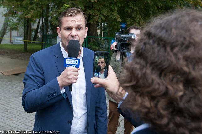 Kontrowersyjny dziennikarz wrócił do TVP. Łukasz Sitek pracuje w redakcji publicystyki TAI