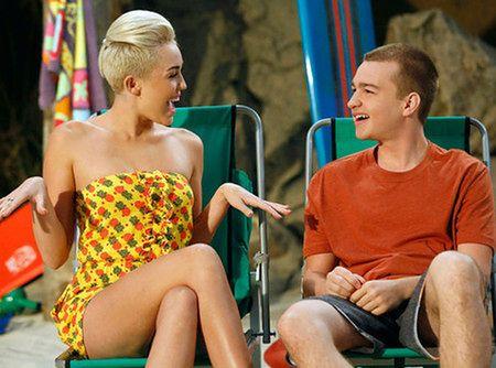 Miley Cyrus w ''Dwóch i pół''