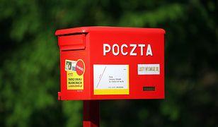 Wyłudzili ćwierć miliona złotych. Pracownicy Poczty Polskiej usłyszeli zarzuty