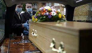 Odprawiają świeckie pogrzeby. Dwa razy w karierze odmówili