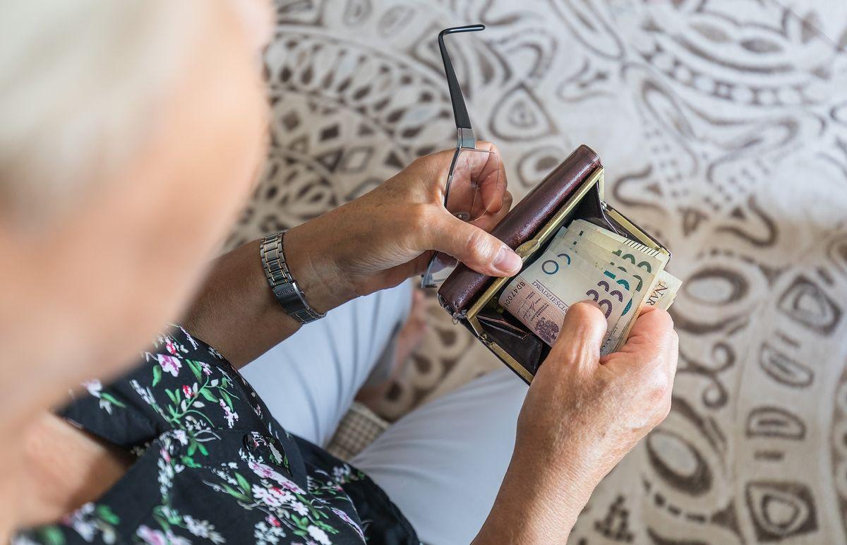 Podwyżki dla emerytów. PiS w kampanii sporo obiecuje