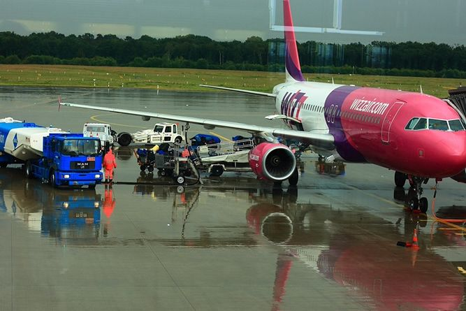 Wizz Air wprowadza nowe opłaty. Niektórzy pasażerowie zapłacą podwójnie