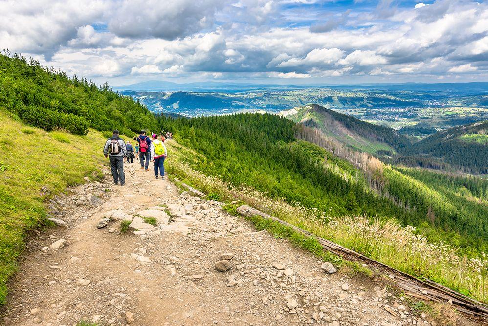 Turyści biwakują w Tatrach mimo zakazu. Grozi im za to wysoka kara
