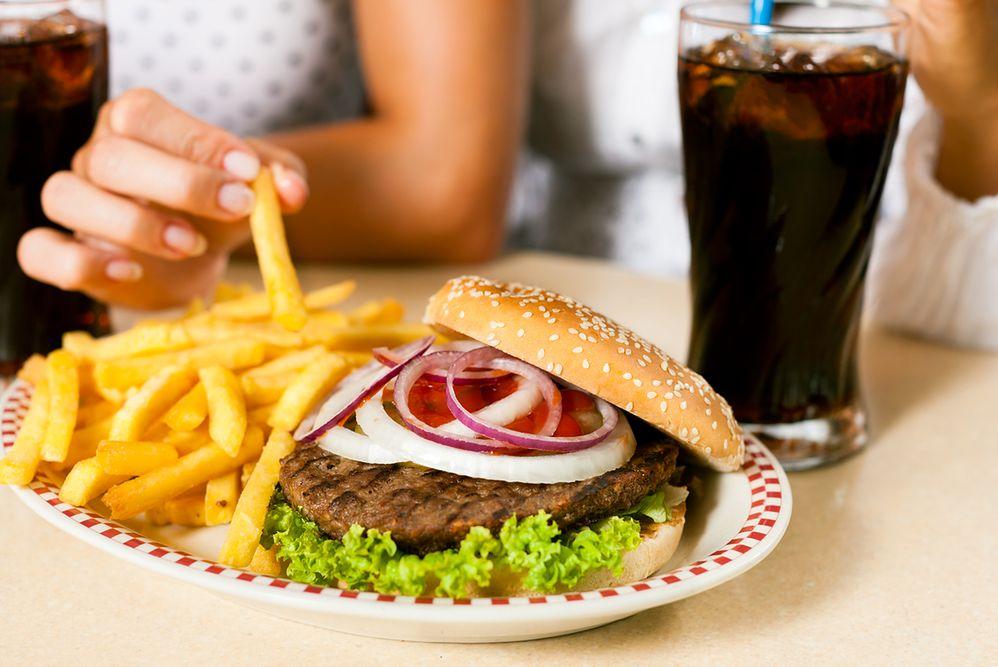 Gastronomiczny boom w Polsce. Najwięcej wydajemy na fast foody