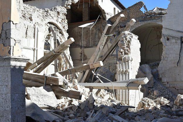 Ponad 700 wstrząsów wtórnych po trzęsieniu ziemi we Włoszech. Inspekcje ukazują ogromną skalę zniszczeń