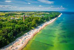 """Problem na plaży w Mielnie. """"Wczasowicze uznają to za wielką atrakcję"""""""