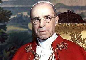 """Dziennikarz Gerald Posner oskarża papieża Piusa XII: """"nie robił wiele, aby powstrzymać Zagładę"""""""
