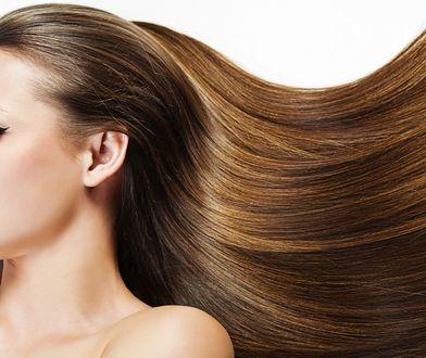 Keratynowe prostowanie włosów - jak wygląda zabieg i ile kosztuje?