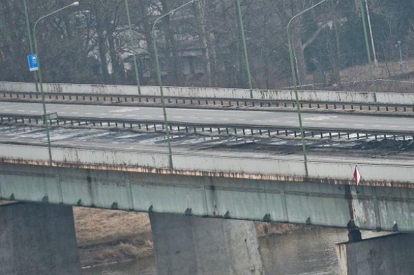 """Jest śledztwo ws. pożaru Mostu Łazienkowskiego. """"Mogło dojść do celowego podpalenia"""""""