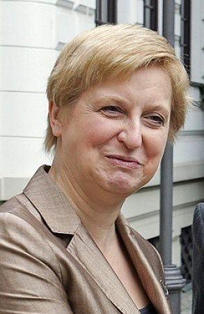 Anna Fotyga wyznaczy zaporową cenę za polską wizę?