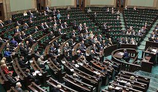 Sejm uchwalił ustawę deregulacyjną