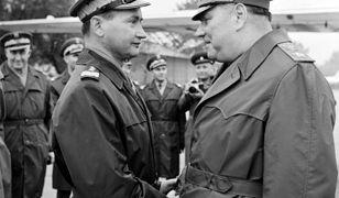 gen. Wojciech Jaruzelski wita w Polsce Iwana Jakubowskiego, marszałka ZSRR, 11 listopada 1968 roku