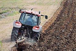 Trwają prace nad regulacją obrotu ziemią rolną