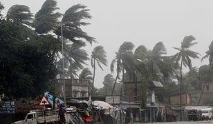 Indie. Cyklon Amphan uderzył w miasta nad Zatoką Bengalską