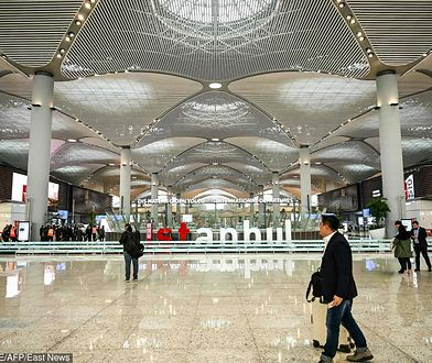Nowe lotnisko pochłonęło ok. 8 mld dol., jego budowa trwała 42 miesiące