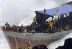 Tonąca łódź z nielegalnymi imigrantami