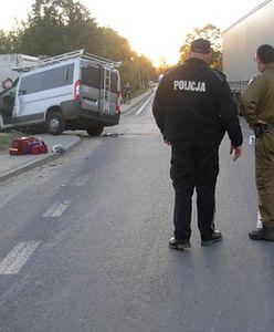 Wypadek busa w Prusimiu. Podróżowali nim nielegalni imigranci