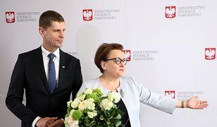 Dariusz Piontkowski był nauczycielem. Tak, jak Anna Zalewska.