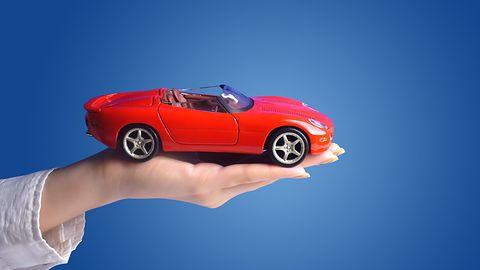 Przyszłość na drodze, droga do przyszłości. Jaguar proponuje wyświetlanie na szybie