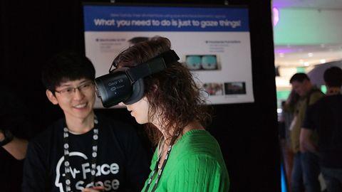 FaceSense w wirtualnym świecie. Nawiguj twarzą z Samsungiem