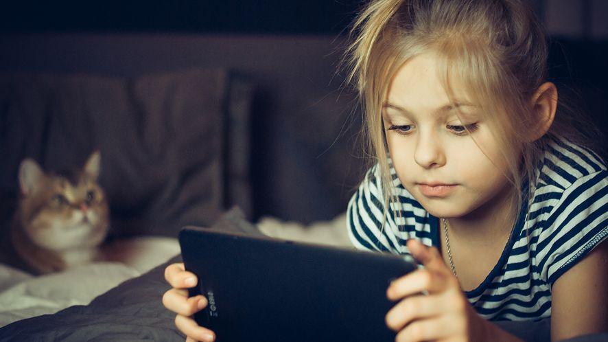 Troska a prywatność: jak sprawdzić, co dziecko robi ze swoim smartfonem?