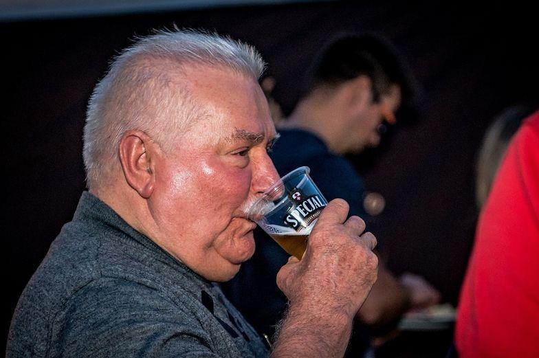 Lech Wałęsa nie wytrzymał. Wyszedł, żeby się napić