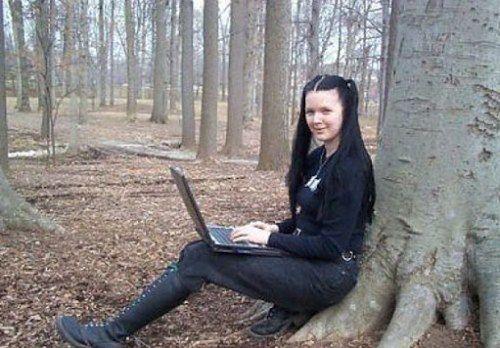 Raven Alder — zmysłowa kreatorka kobiecej sceny hakerskiej