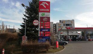 Ceny paliw w poniedziałek na stacjach Orlen powinny spaść. Tak zapowiadał prezes spółki Daniel Obajtek