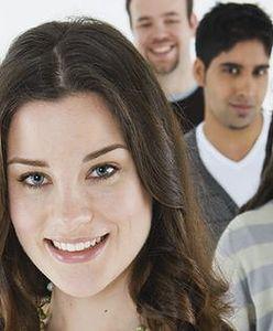Elastyczne zatrudnienie, lepsze warunki, stypendia. Oto jak chcą pomóc młodym