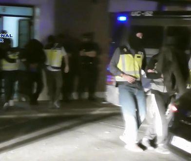 """Hiszpania. Zatrzymano terrorystę. Miał listę celów ISIS i """"matkę szatana"""""""