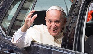 Papież Franciszek popiera związki cywilne osób tej samej płci