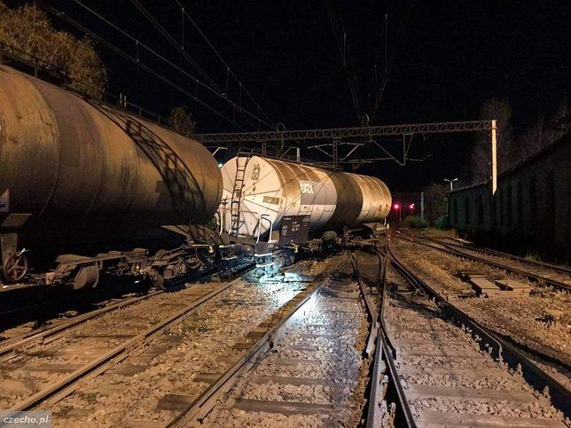 W Czechowicach-Dziedzicach wykoleiły się cztery wagony (fot. czecho.pl)