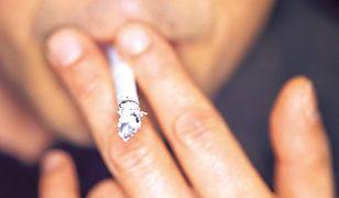 Mężczyznom równie trudno rzucić palenie jak kobietom