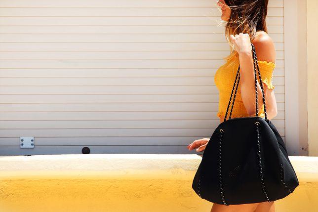 Pojemna shopper bag to świetny dodatek do stylizacji