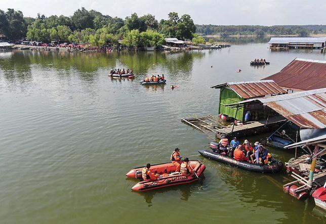 9 osób nie żyje po wypadku łódki w Indonezji